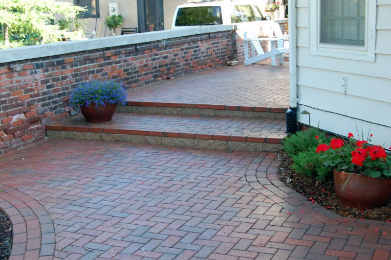 Clay Paver, Herring Bone, Running Bond Border